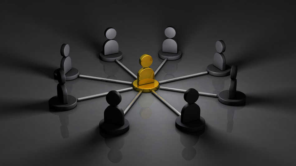 When building a mastermind community, how do you know who to invite?